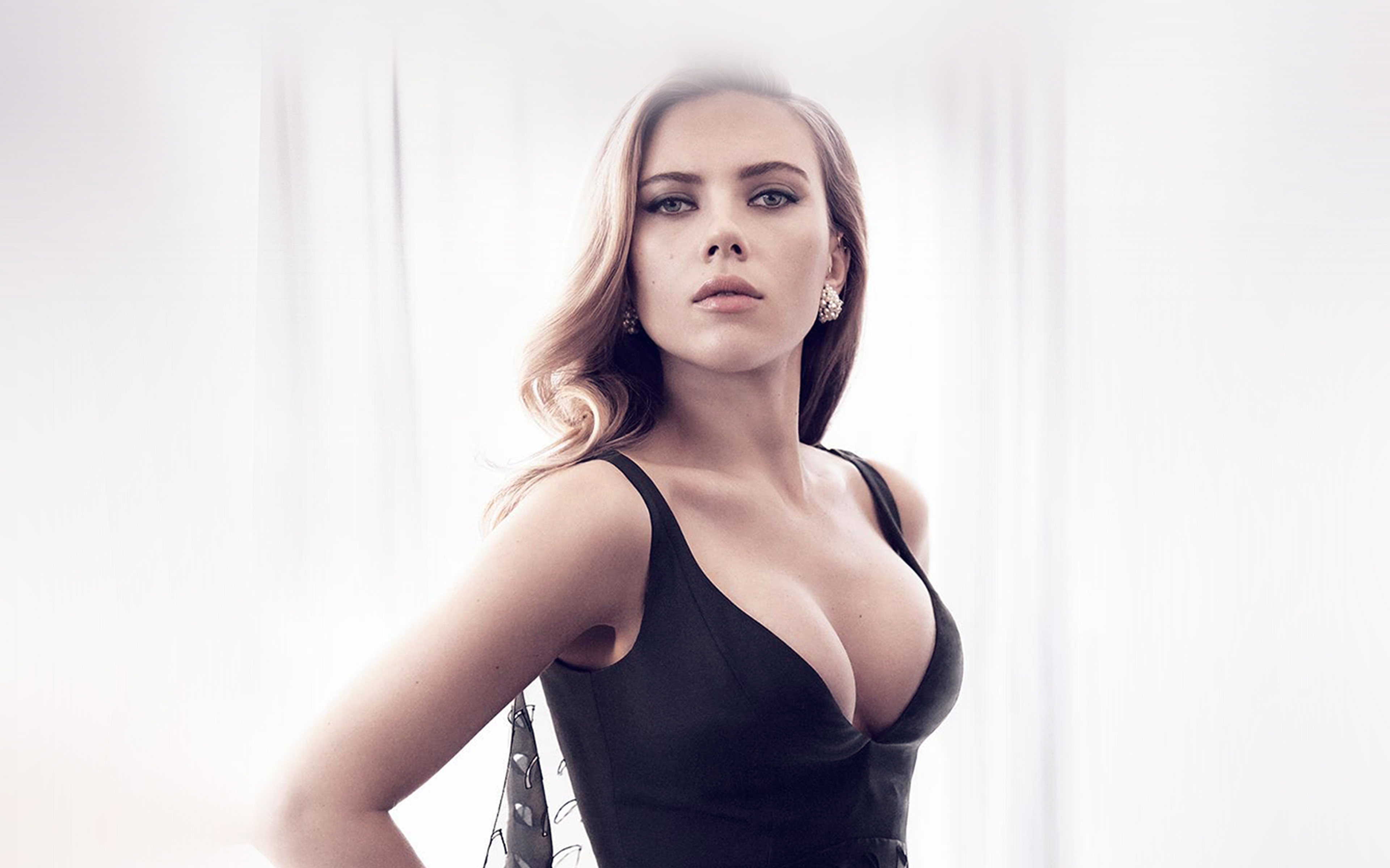 Scarlett Johanson jhot - Scarlett Johansson Net Worth, Awards, Movies and Private Life, Pictures and Wallpapers