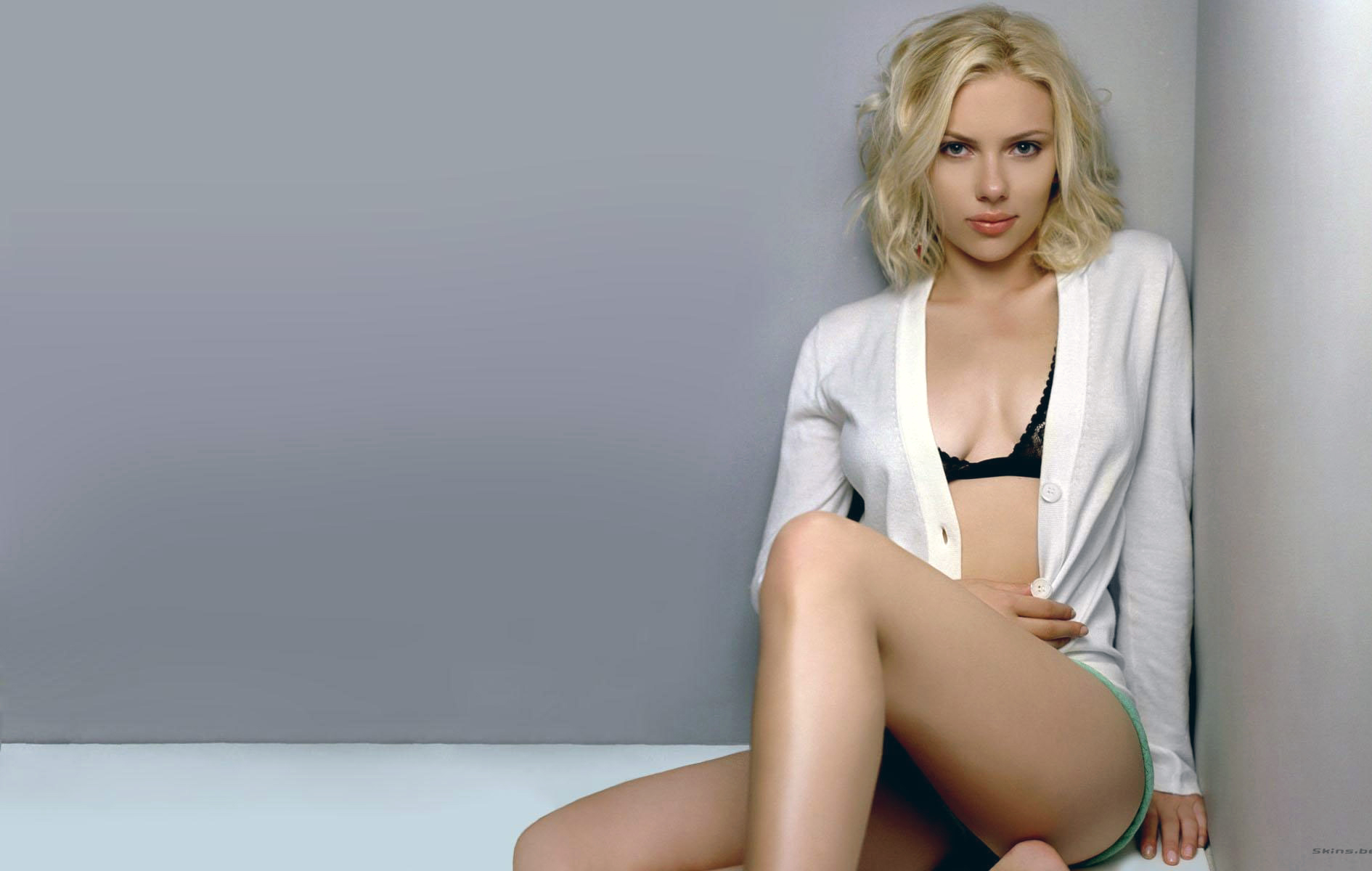 Scarlett Johanson underwear - Scarlett Johansson Net Worth, Awards, Movies and Private Life, Pictures and Wallpapers