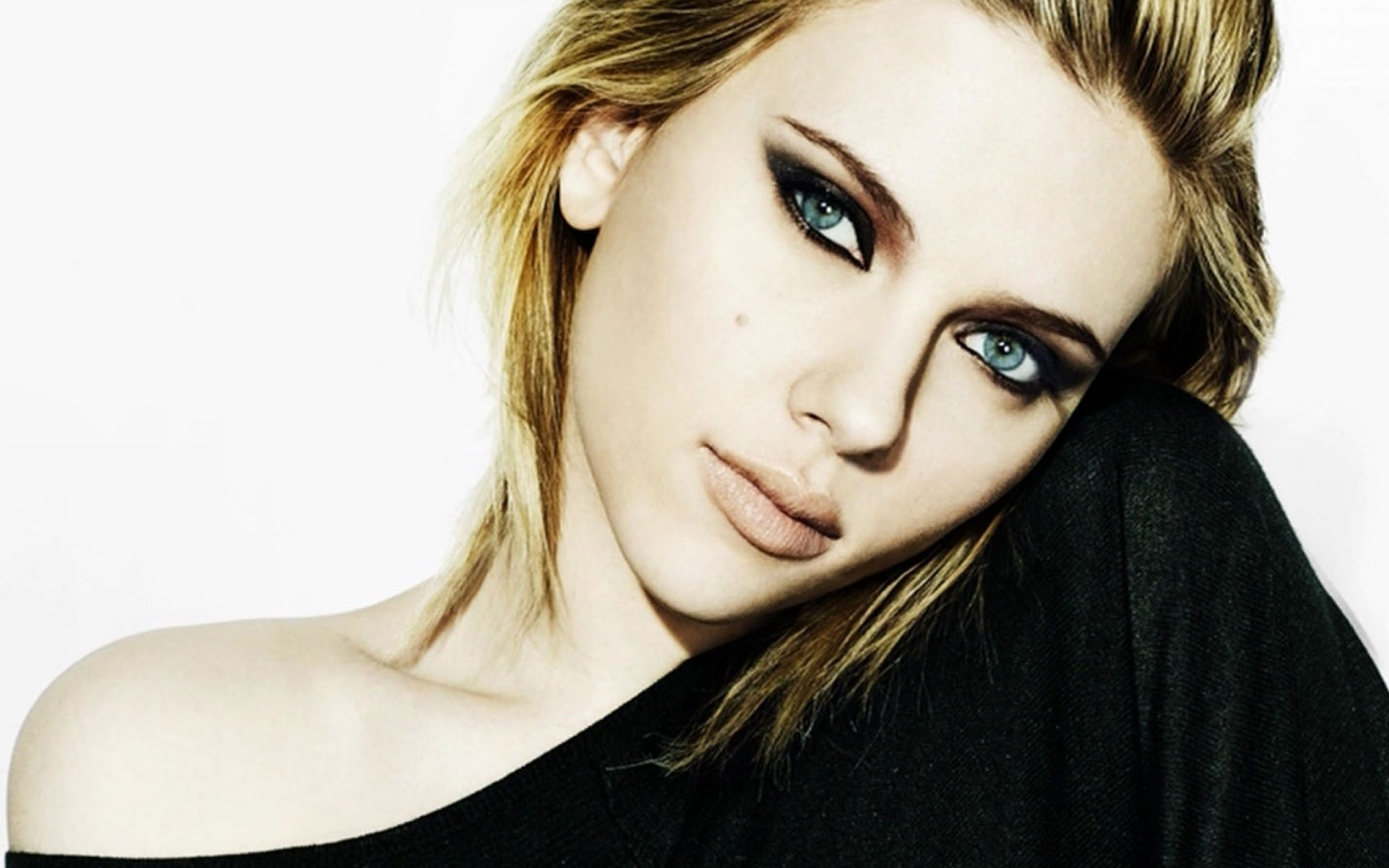 Scarlett Johansson wallpaper - Scarlett Johansson Net Worth, Awards, Movies and Private Life, Pictures and Wallpapers
