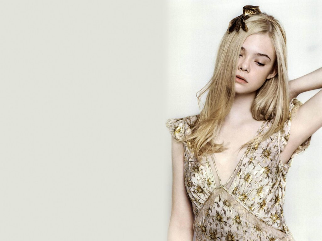 Elle Fanning 2014 - Elle Fanning Net Worth, Family, Movies, Private Life, Pictures and Wallpaper