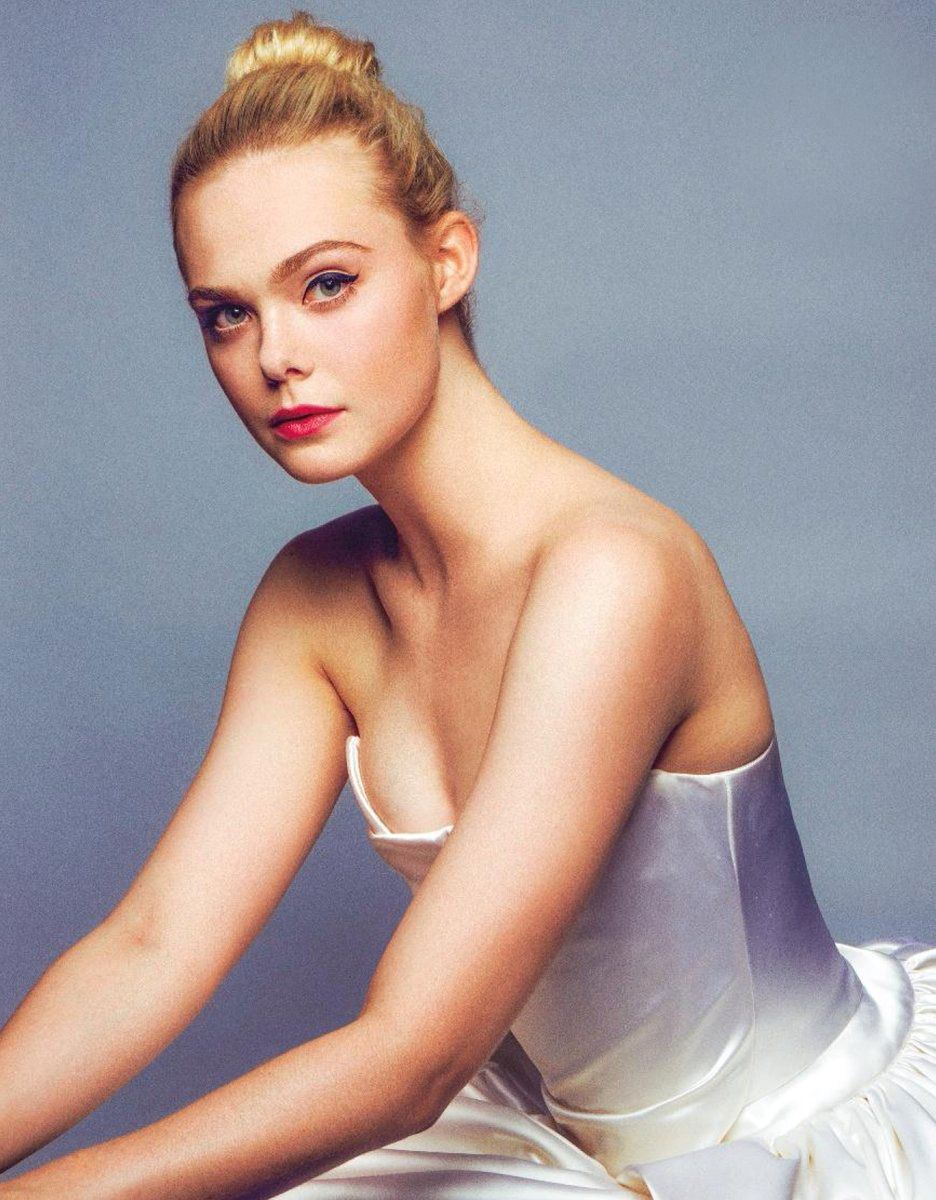 Elle Fanning ballerina - Elle Fanning Net Worth, Family, Movies, Private Life, Pictures and Wallpaper