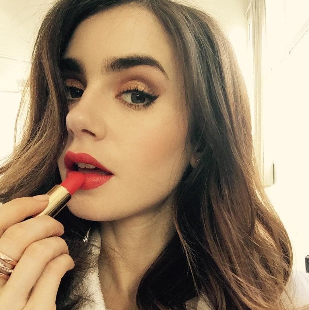 Lily Collins red lipstick - Lily Collins Net Worth, Biography, Family, Movies, Boyfriends, Pictures&Wallpapers