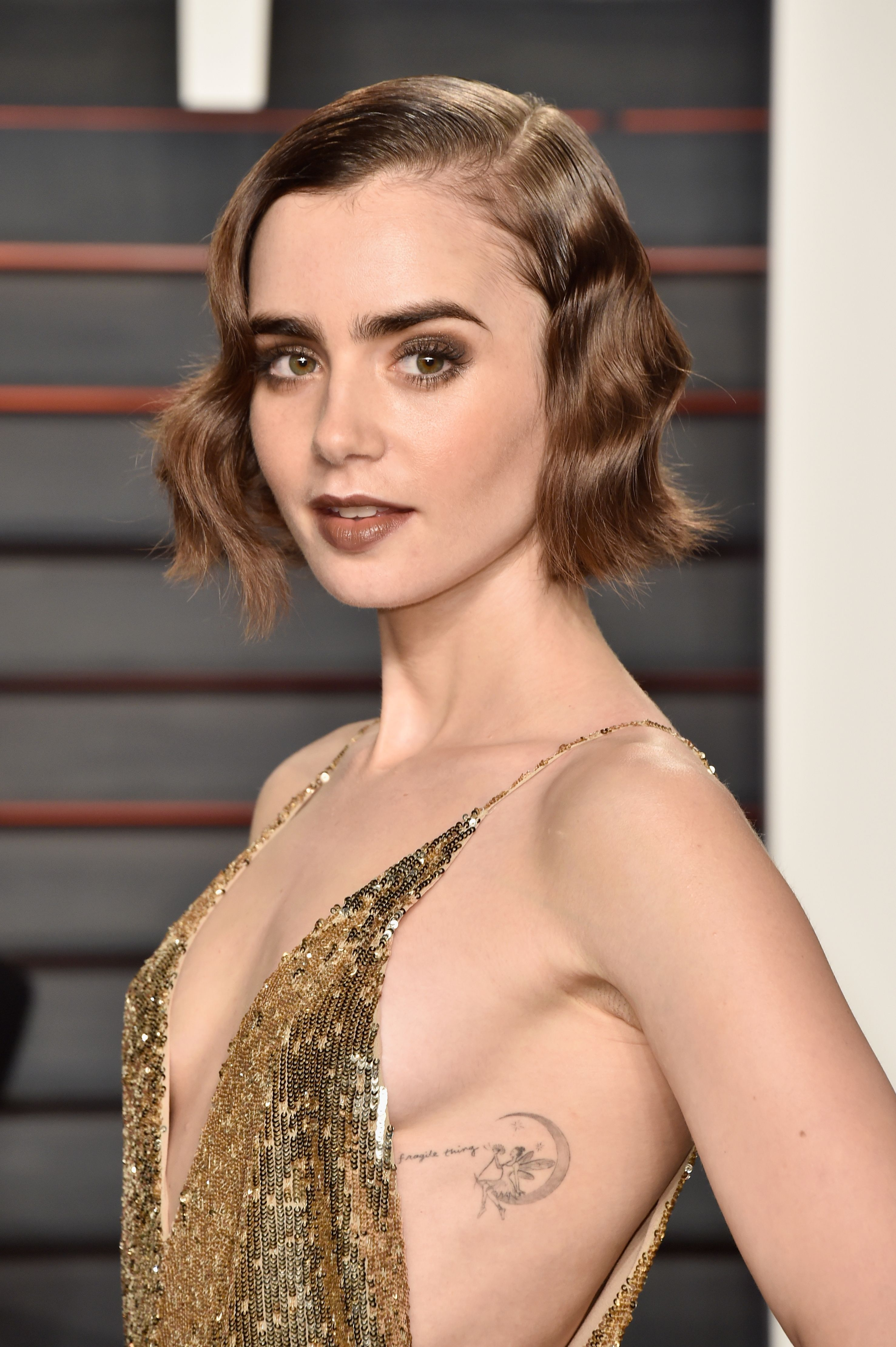 Lily Collins - Lily Collins Net Worth, Biography, Family, Movies, Boyfriends, Pictures&Wallpapers
