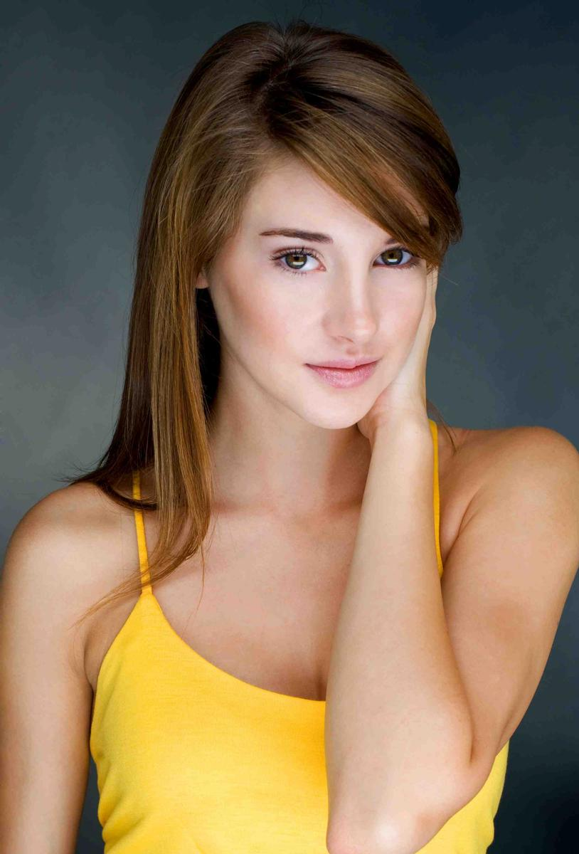 Shailene Woodley in a yellow dress - Shailene Woodley Net Worth, Movies, Family, Private Life, Pictures and Wallpapers