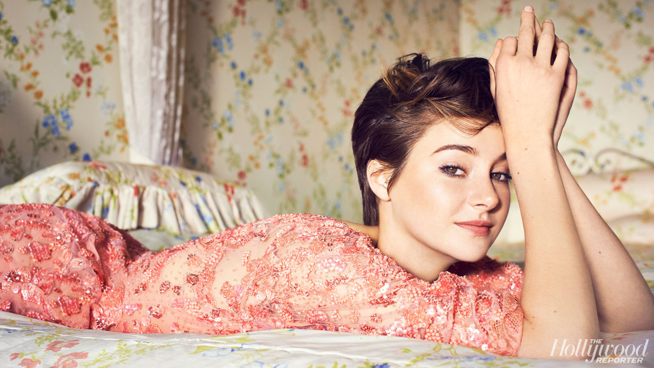 Shailene Woodley in bed - Shailene Woodley Net Worth, Movies, Family, Private Life, Pictures and Wallpapers