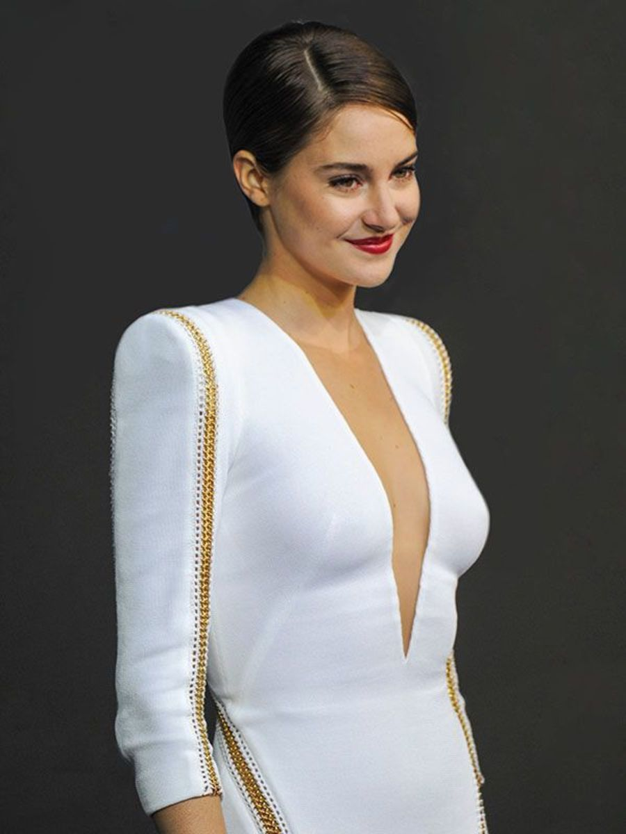 shailene Woodley in a white dress - Shailene Woodley Net Worth, Movies, Family, Private Life, Pictures and Wallpapers