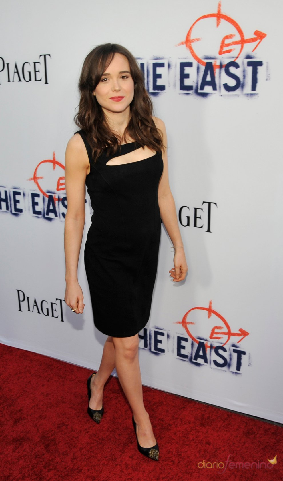 Ellen Page in a black dress - Ellen Page Net Worth, Movies, Biography, Private Life, Pictures and Wallpapers