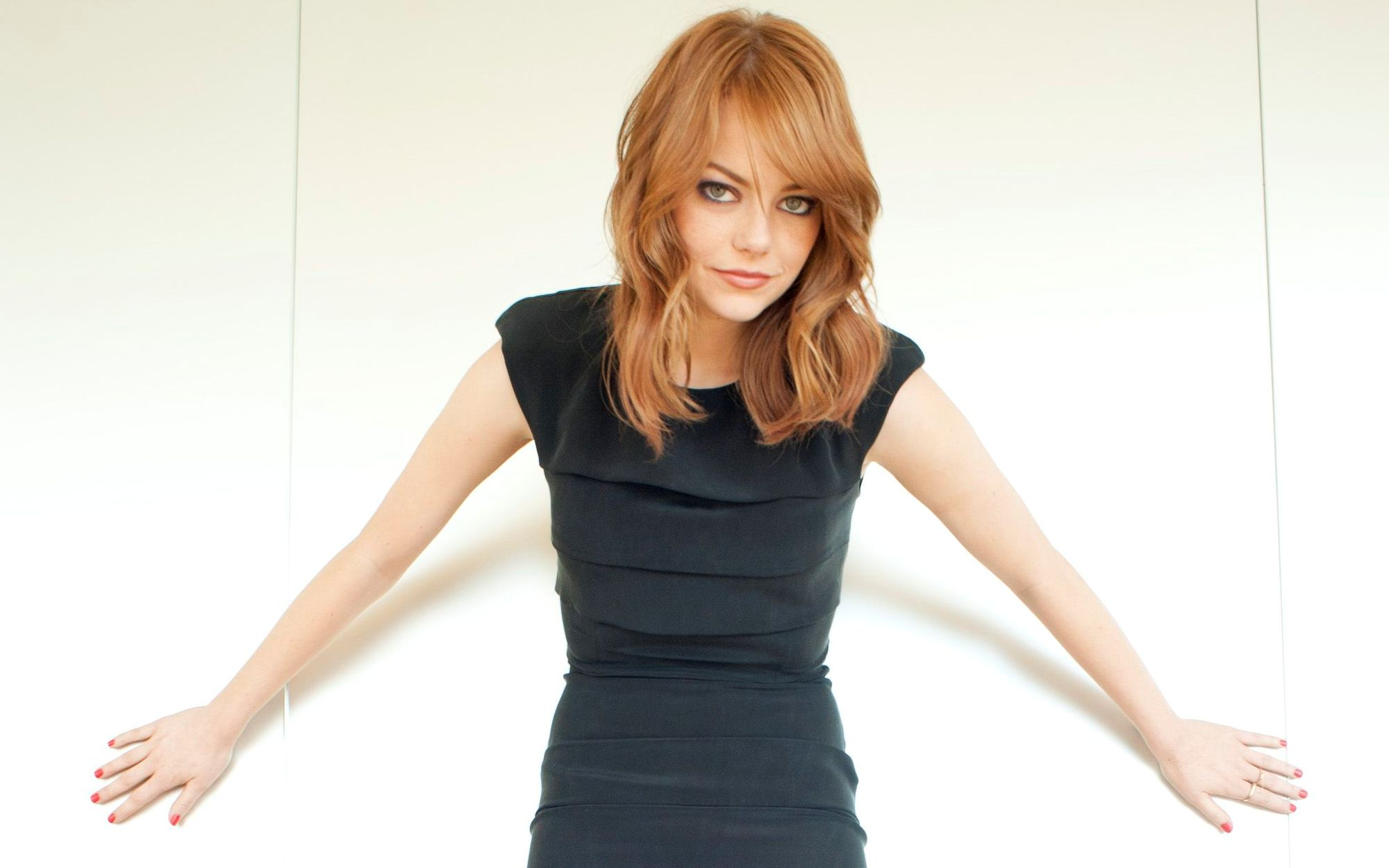 Emma Stone playful - Emma Stone Net Worth, Movies, Family, Boyfriends, Pictures and Wallpapers