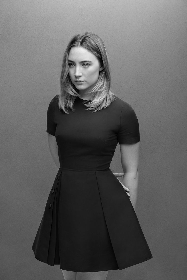 Saoirse Ronan black and white - Saoirse Ronan Net Worth, Movies, Family, Boyfriend, Pictures and Wallpapers