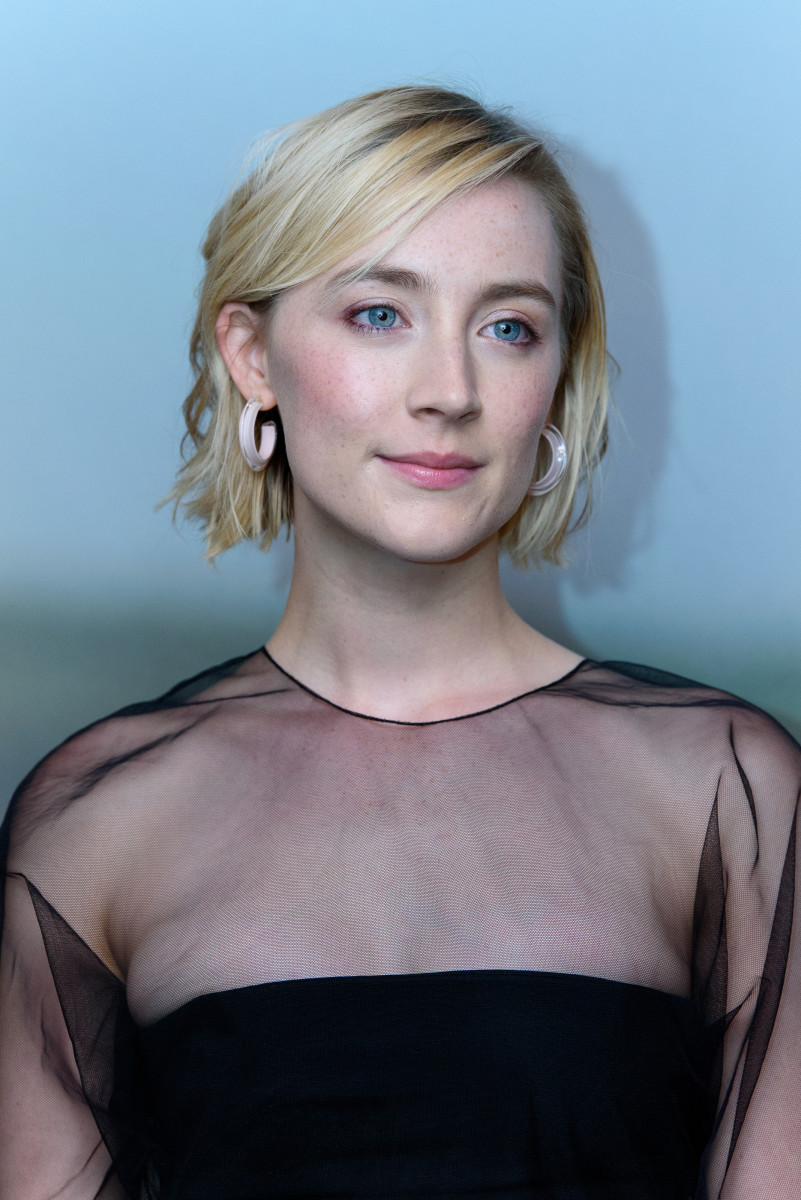 Saoirse Ronan in a black dress - Saoirse Ronan Net Worth, Movies, Family, Boyfriend, Pictures and Wallpapers