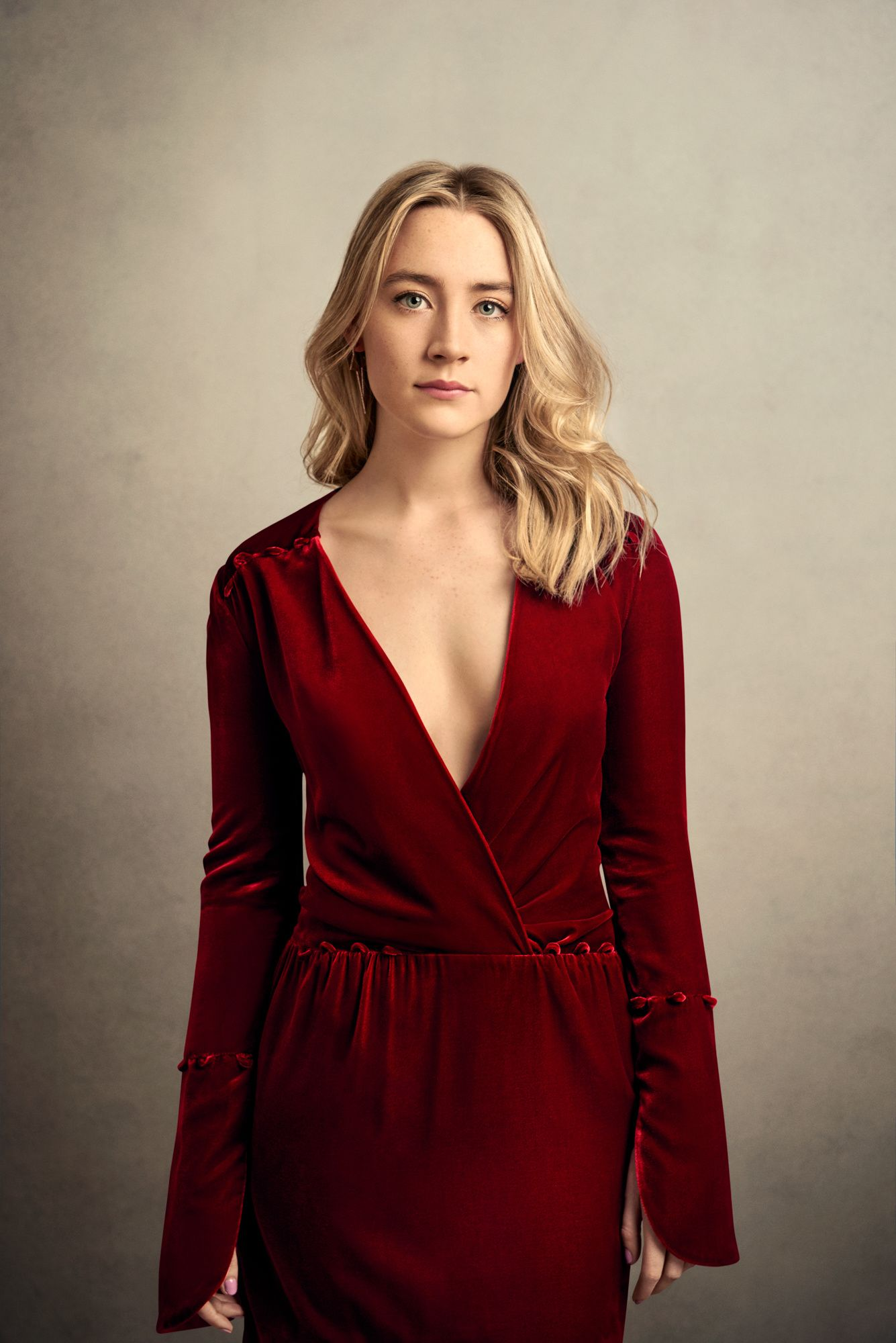 Saoirse Ronan in a red dress - Saoirse Ronan Net Worth, Movies, Family, Boyfriend, Pictures and Wallpapers