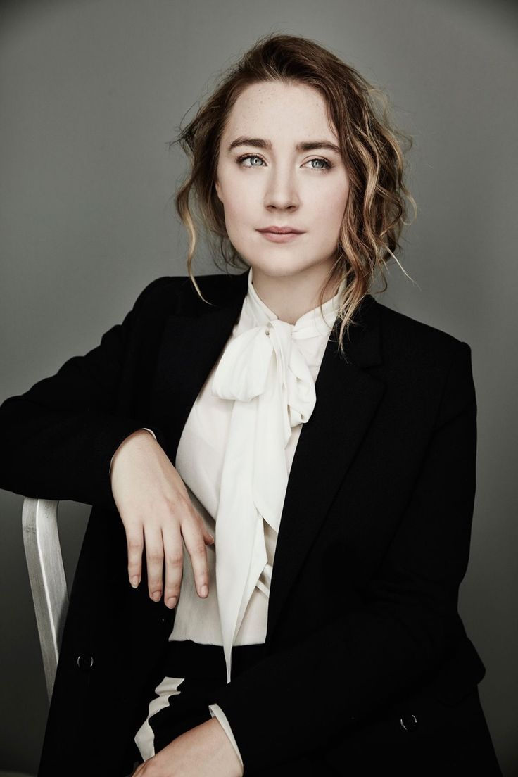 Saoirse Ronan suit - Saoirse Ronan Net Worth, Movies, Family, Boyfriend, Pictures and Wallpapers
