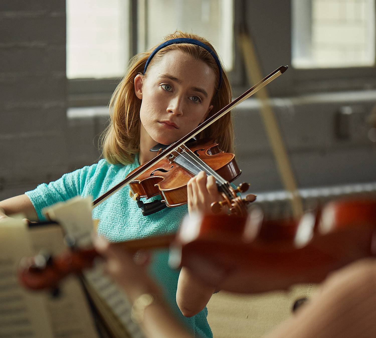 Saoirse Ronan the violin - Saoirse Ronan Net Worth, Movies, Family, Boyfriend, Pictures and Wallpapers