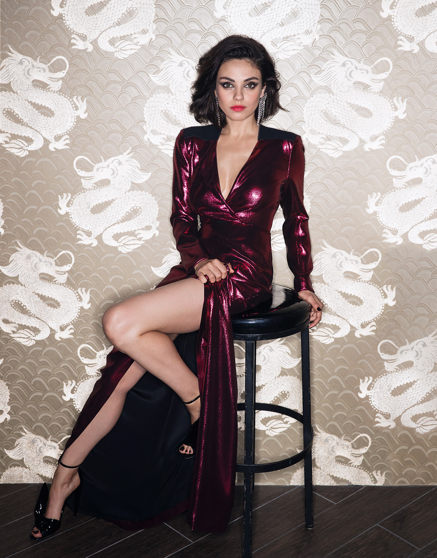 mila Kunis gorgeous - Mila Kunis Net Worth, Movies, Family, Husband, Pictures and Wallpapers