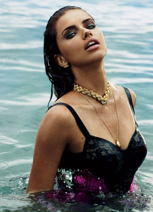 Adriana Lima Swimming Model - Adriana Lima Net Worth, Pics, Wallpapers, Career and Biography