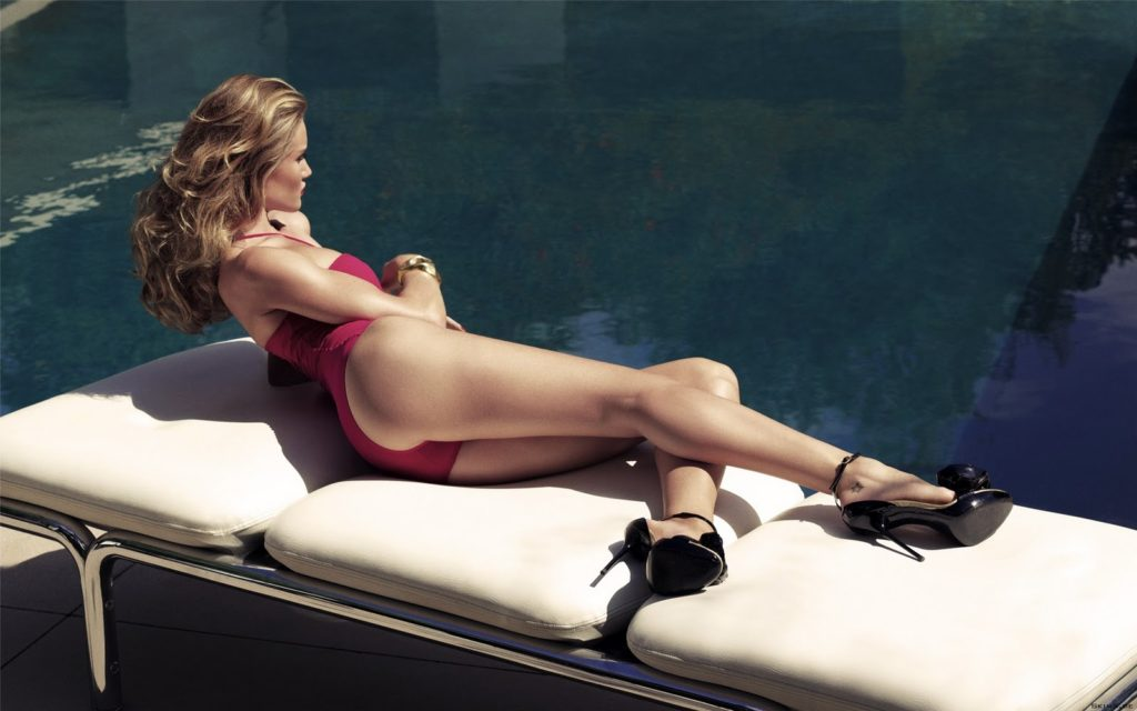Amazing Legs Rosie Huntington Whiteley 1024x640 - Rosie Huntington-Whiteley Net Worth, Pics, Wallpapers, Career and Biograph