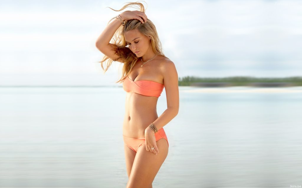 Bar Refaeli Amazing Bikini Model 1024x640 - Bar Refaeli Amazing Bikini Model