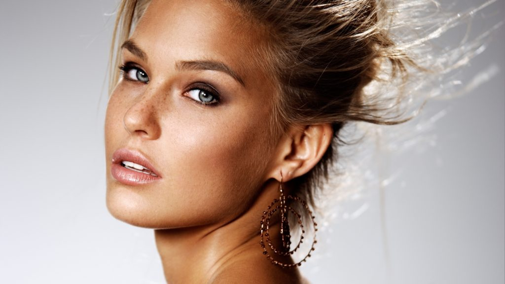 Bar Refaeli Beautiful Eyes 1024x576 - Bar Refaeli Beautiful Eyes