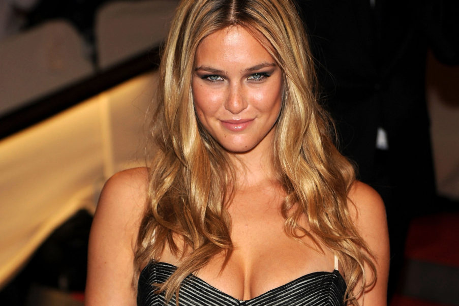 Bar Refaeli Hot Blonde Top Model