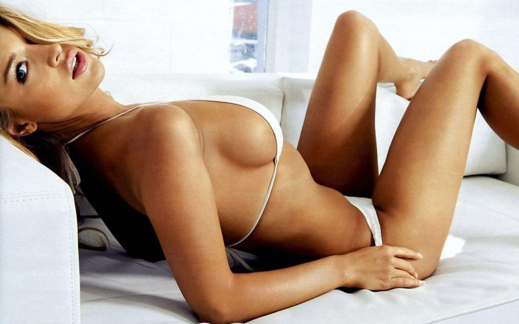 Bar Refaeli Hot White Bikini Pose 1024x640 - Bar Refaeli Net Worth, Pics, Wallpapers, Career and Biography