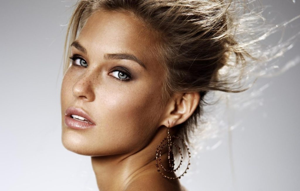Bar Refaeli Perfect Eyes 1024x653 - Bar Refaeli Net Worth, Pics, Wallpapers, Career and Biography