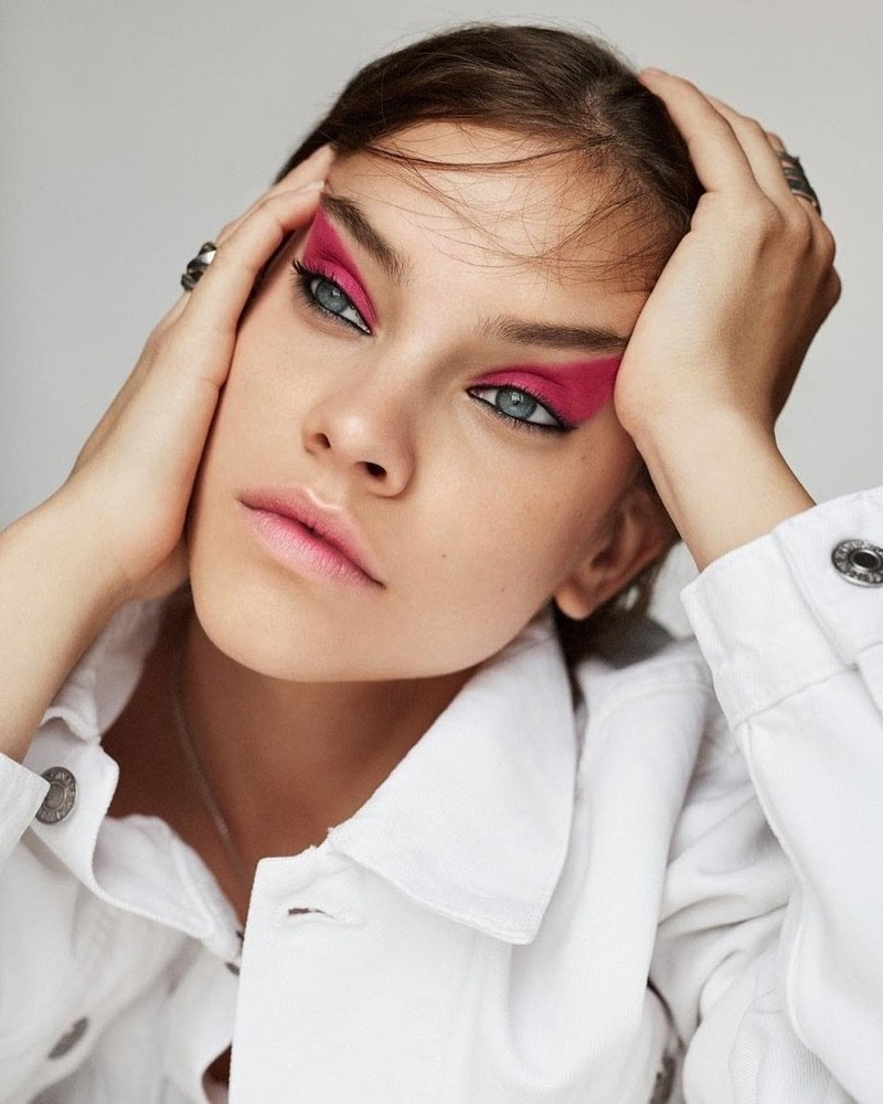 Barbara Palvin Hot Eyes Makeup - Barbara Palvin Net Worth, Pics, Wallpapers, Career and Biography