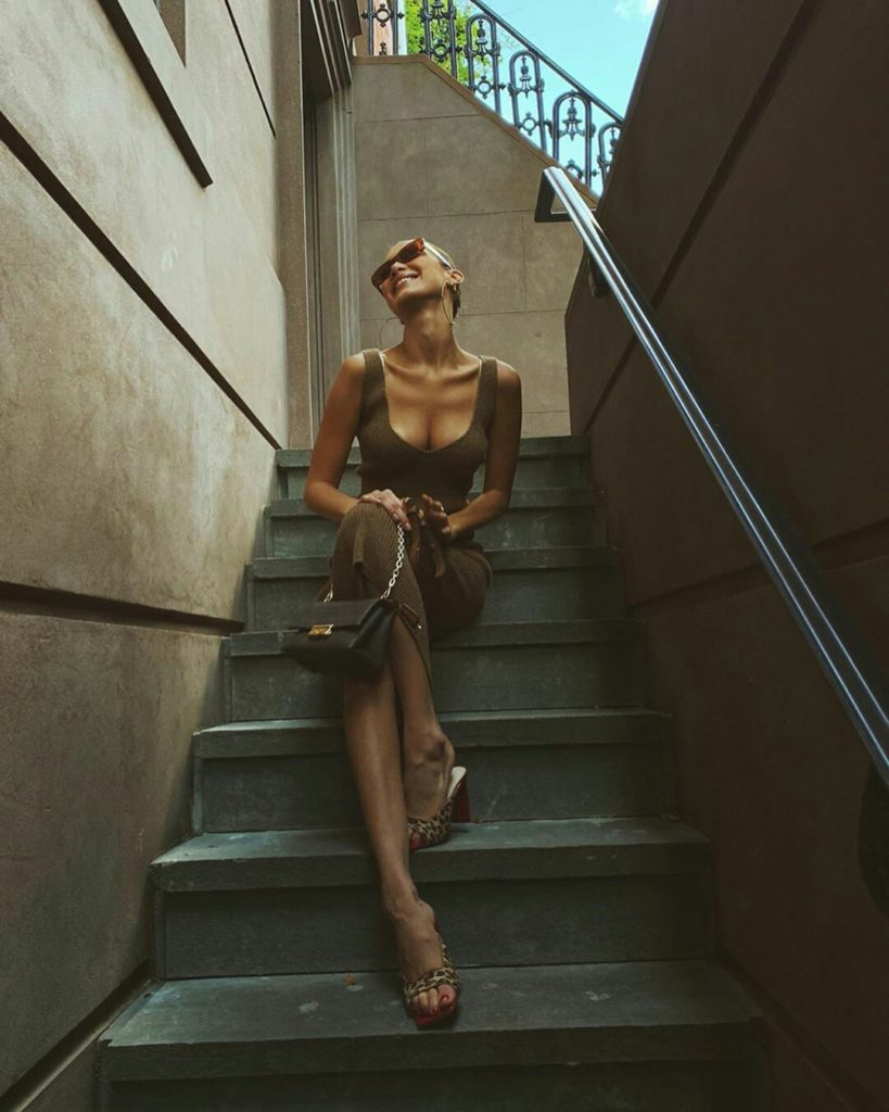 Bella Hadid On The Stairs 819x1024 - Bella Hadid On The Stairs