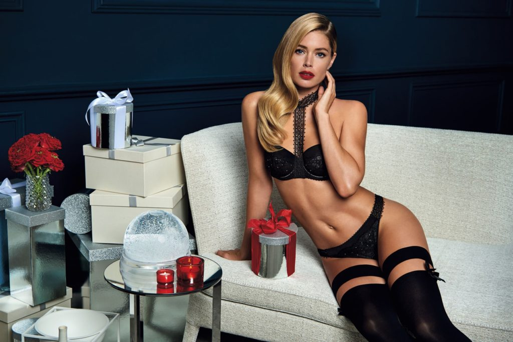 Doutzen Kroes Hot Black Lingerie Photo 1024x683 - Doutzen Kroes Net Worth, Pics, Wallpapers, Career and Biography