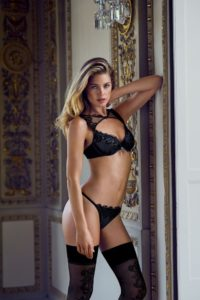 Doutzen Kroes Hot Lingerie Stockings 200x300 - Hot Blonde Doutzen Kroes Image