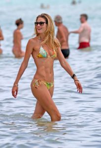 Doutzen Kroes Super Bikini 205x300 - Hot Blonde Doutzen Kroes Image