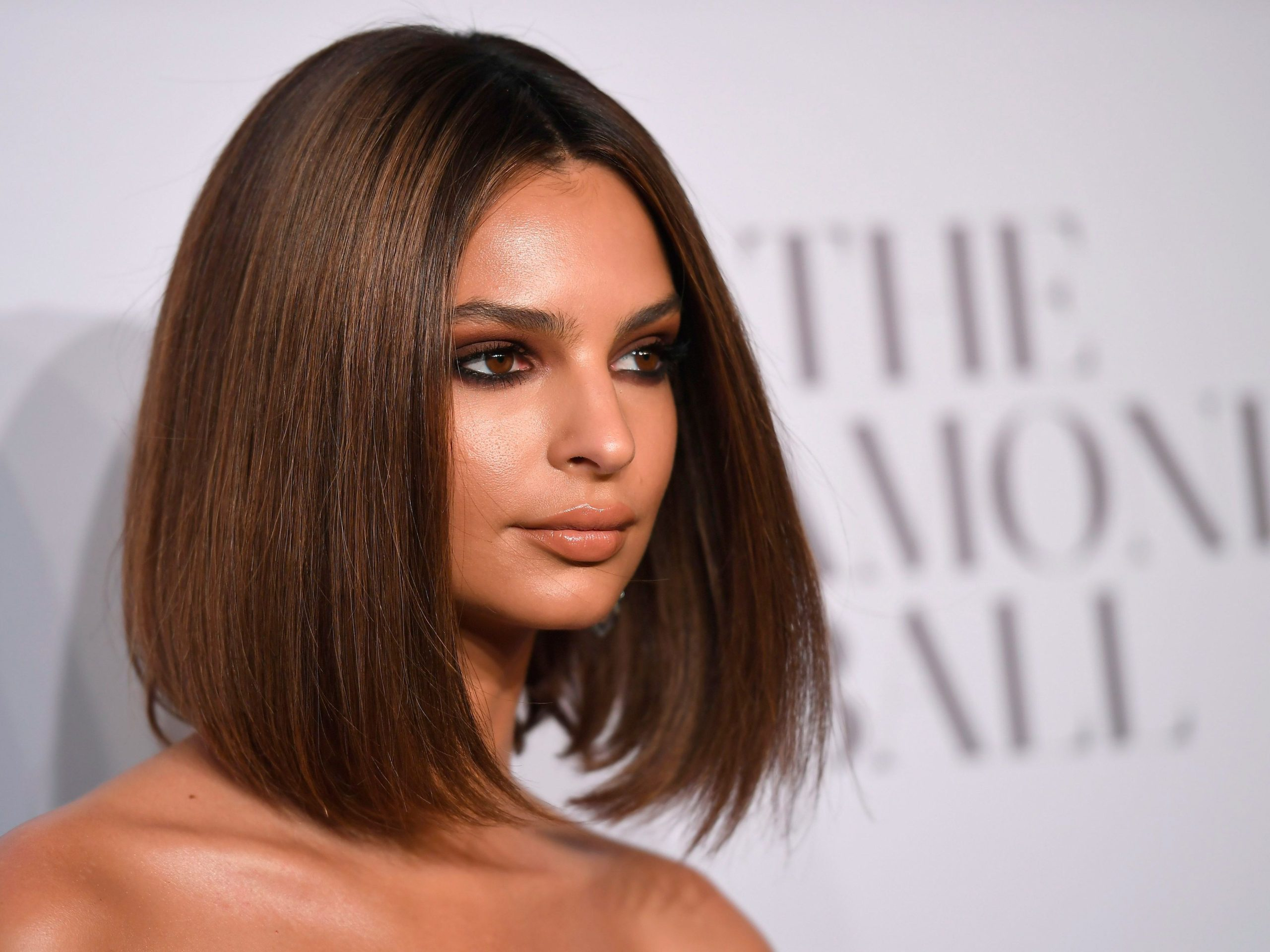 Emily Ratajkowski Awesome Hairs scaled - Emily Ratajkowski Net Worth, Pics, Wallpapers, Career and Biography