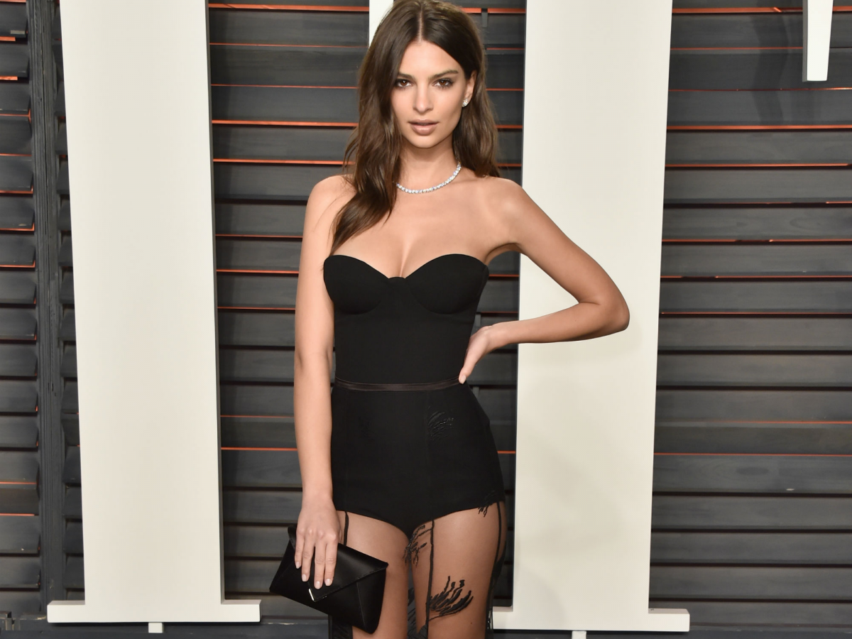 Emily Ratajkowski Hot Black Dress - Emily Ratajkowski Net Worth, Pics, Wallpapers, Career and Biography