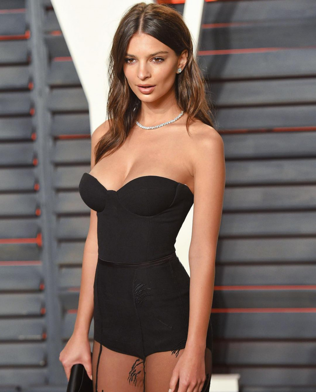 Hot Emily Ratajkowski Super Black Dress - Emily Ratajkowski Net Worth, Pics, Wallpapers, Career and Biography