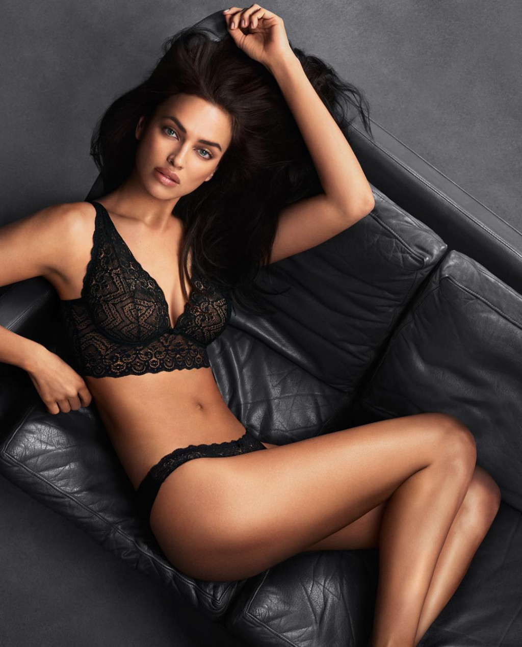 Irina Shayk Hot Black Underwear Pic - Irina Shayk Hot Black Underwear Pic