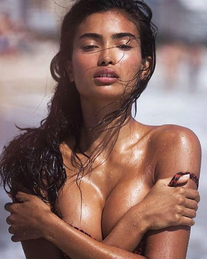 Kelly Gale Goddess Model - Kelly Gale Goddess Model