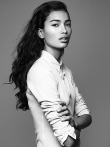 Kelly Gale Good Posing 225x300 - Hot Beauty Kelly Gale