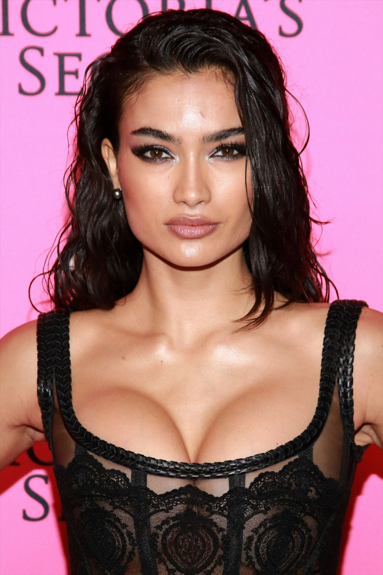 Kelly Gale Hot Revealing Pic - Kelly Gale Hot Revealing Pic