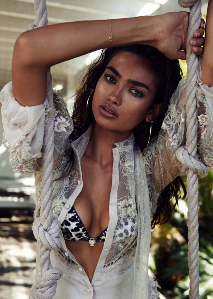 Kelly Gale Nice Bikini Posing 731x1024 - Kelly Gale Net Worth, Pics, Wallpapers, Career and Biography