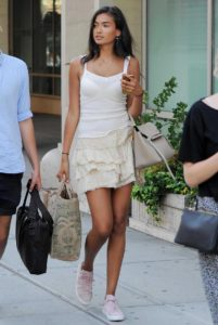 Kelly Gale Shoping 201x300 - Kelly Gale In Towels