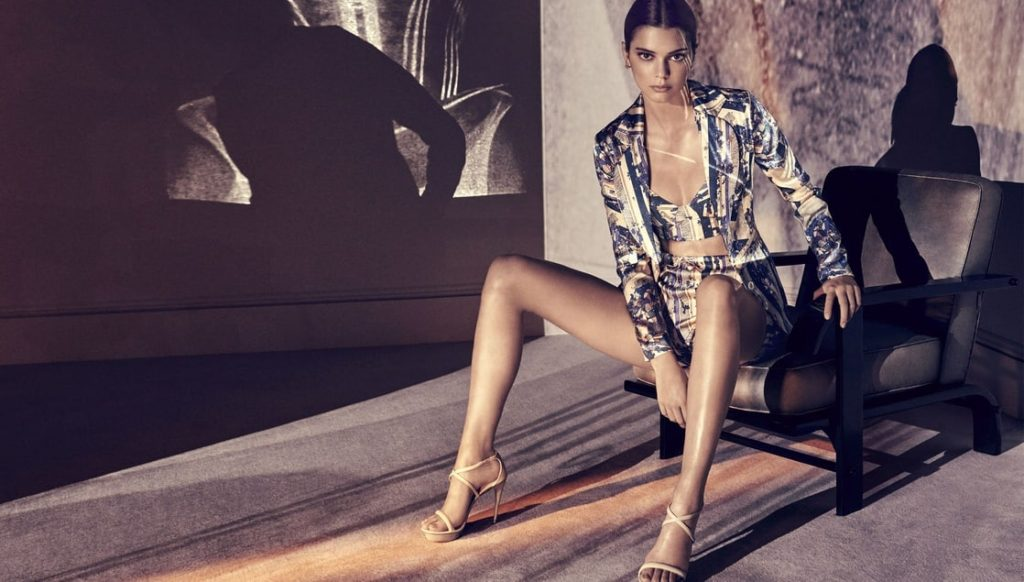 Kendall Jenner Amazing Legs Posing 1024x582 - Kendall Jenner Amazing Legs Posing