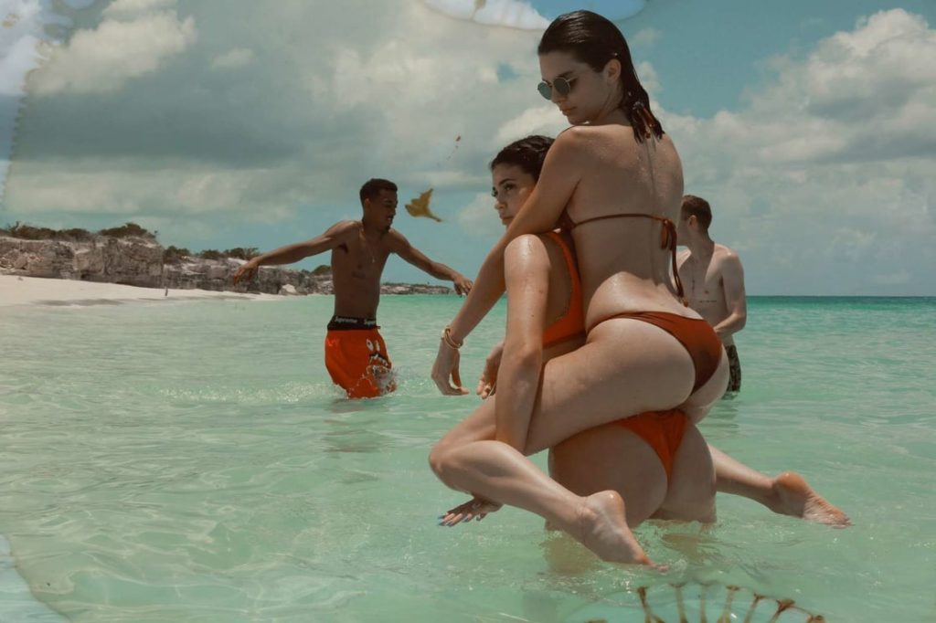 Kendall Jenner Enjoying In The Sea 1024x682 - Kendall Jenner Enjoying In The Sea