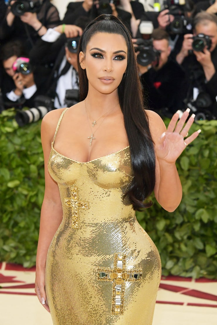 Kim Kardashian Hot Golden Dress - Kim Kardashian Hot Golden Dress