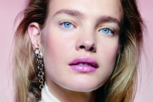 Natalia Vodianova Makeup Pics 300x200 - Super Top Model Natalia Vodianova Red Blouse
