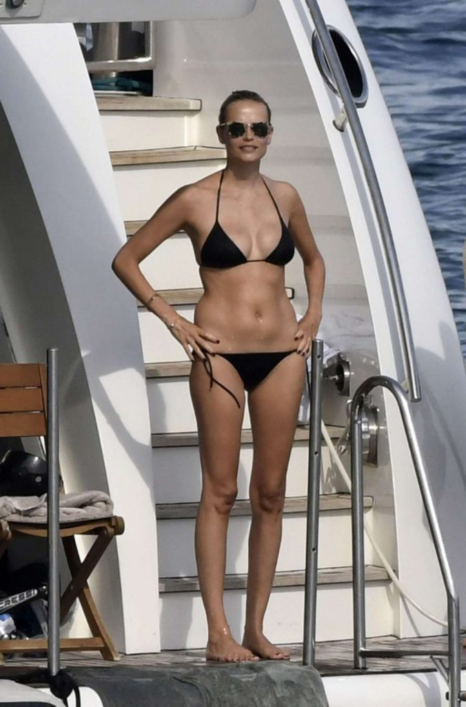 Natasha Poly Black Bikini On Yacht 676x1024 - Natasha Poly Black Bikini On Yacht
