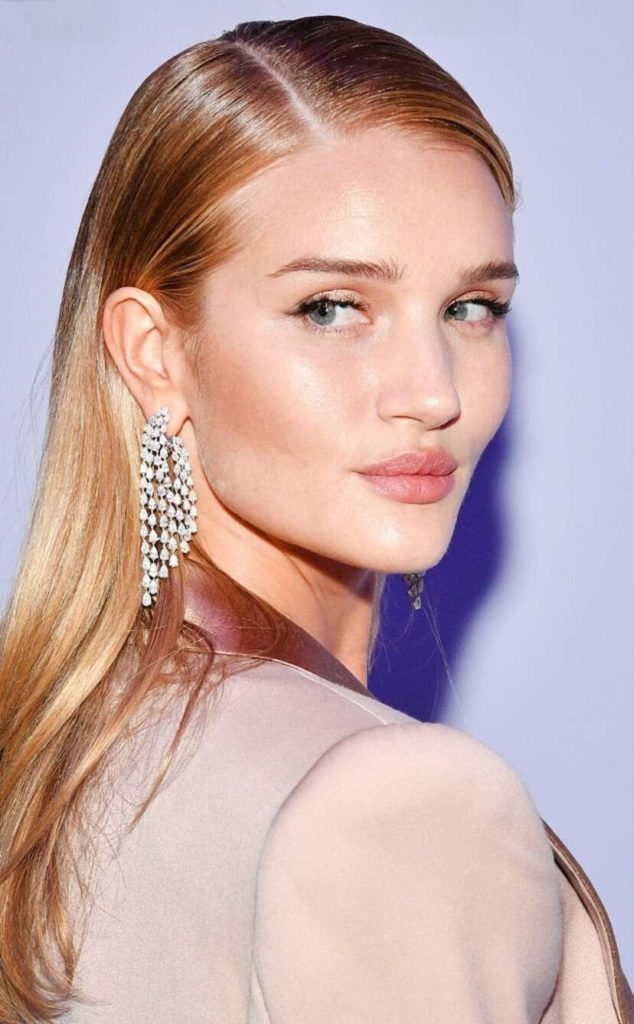 Rosie Huntington Whiteley Hair Beauty Pic 634x1024 - Rosie Huntington-Whiteley Net Worth, Pics, Wallpapers, Career and Biograph
