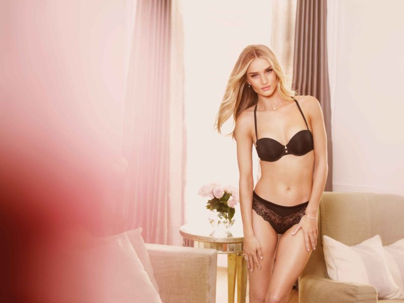 Rosie Huntington Whiteley Hot Black Underwear Photo