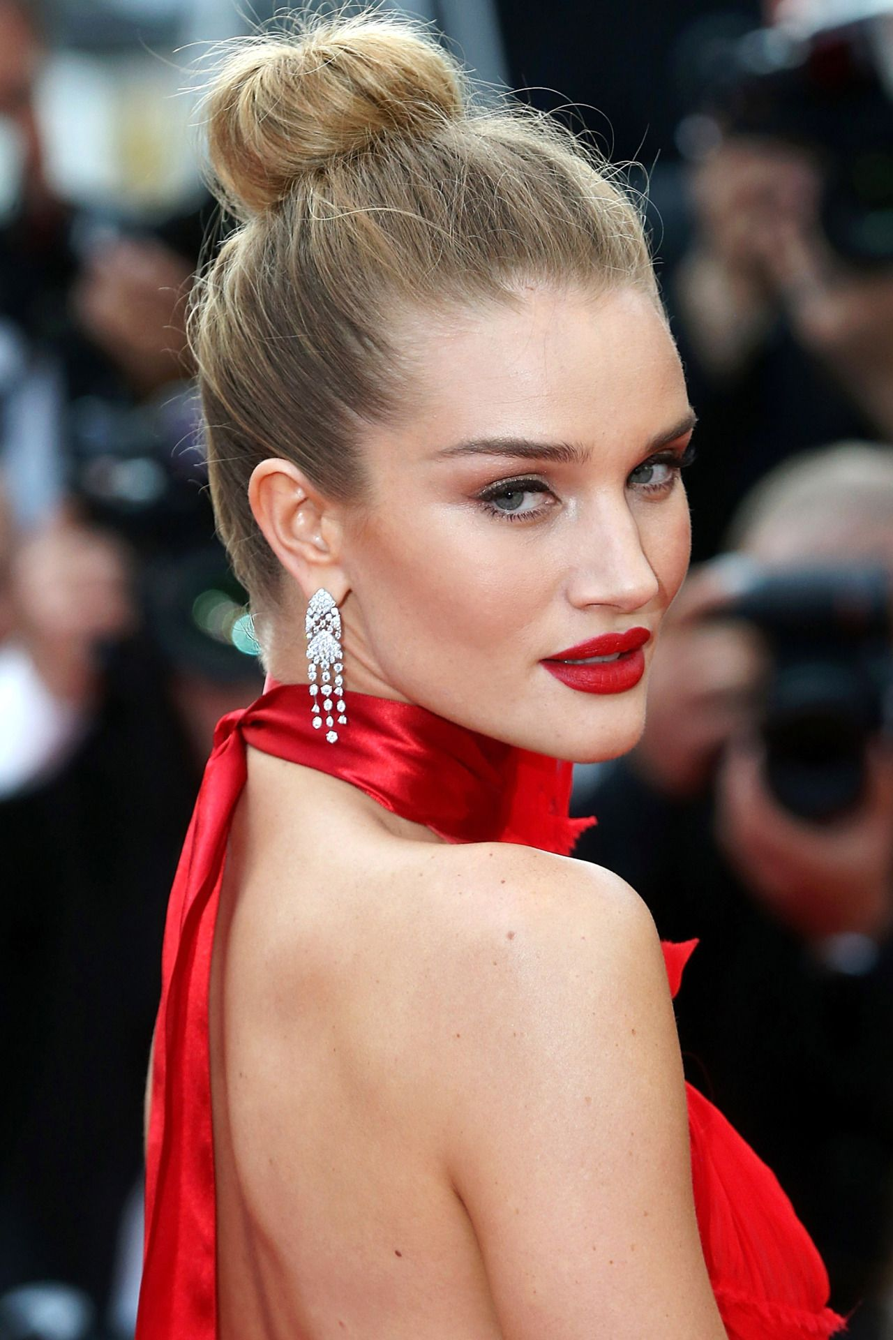 Rosie Huntington Whiteley Hot Red Lips - Rosie Huntington Whiteley Hot Red Lips