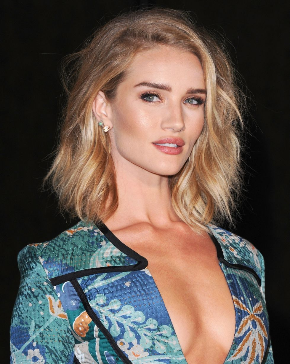 Rosie Huntington Whiteley Super Hot Revealing Jacket - Rosie Huntington Whiteley Super Hot Revealing Jacket