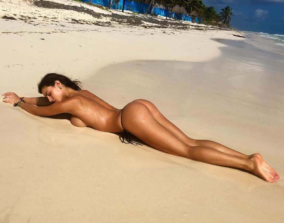 Silvia Caruso Only Tanga On The Sands - Silvia Caruso Net Worth, Pics, Wallpapers, Career and Biography