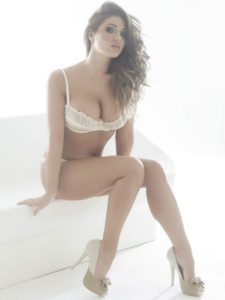 Amazing Posing Lucy Pinder 225x300 - Lucy Pinder Face Pic